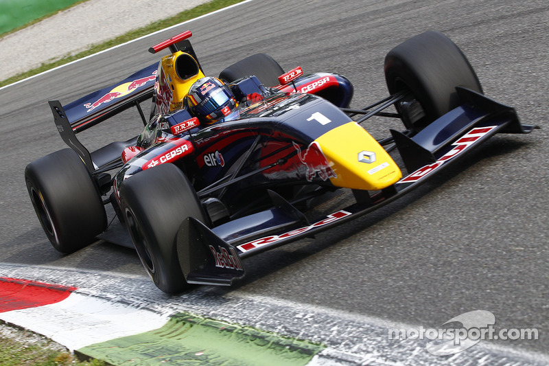 Carlos Sainz Jr wins at home