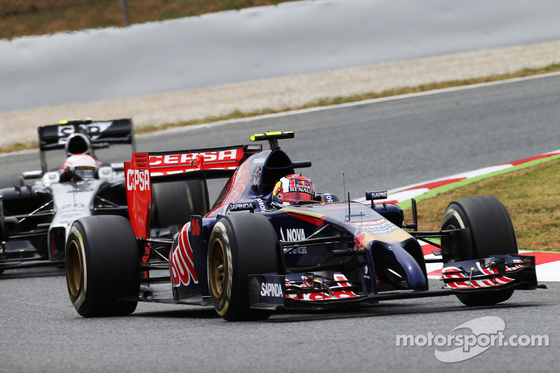 Daniil Kvyat performs testing on second day at Barcelona
