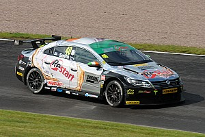 Aron Smith wins an enthralling finale at Snetterton