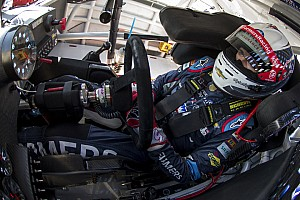 Clutch performance propels Kahne into Chase Contender round