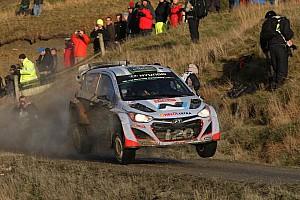 Paddon remains with Hyundai Motorsport for 2015