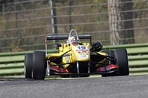 Giovinazzi remains loyal to Carlin