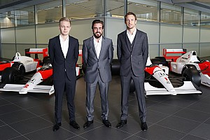 McLaren to test 2015 car with black livery - report