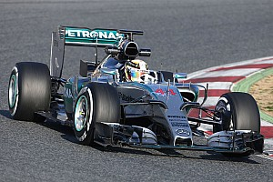 Split shift for Rosberg and Hamilton on day two at the Circuit de Barcelona-Catalunya