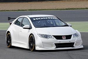 BTCC Honda Civic Type R breaks cover at Brands Hatch