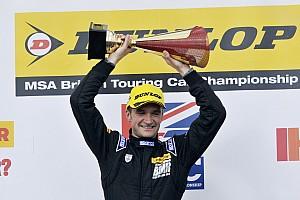 Turkington dominates eventful second Donington race