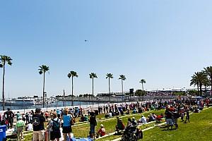 Fan injured in IndyCar season opener files lawsuit