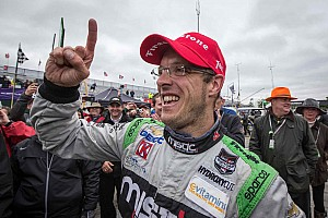 Bourdais prevails in wild second race on streets of Detroit