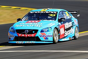 McLaughlin beats Reynolds to Sydney pole
