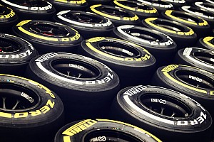 Ecclestone and F1 drivers in Pirelli summit