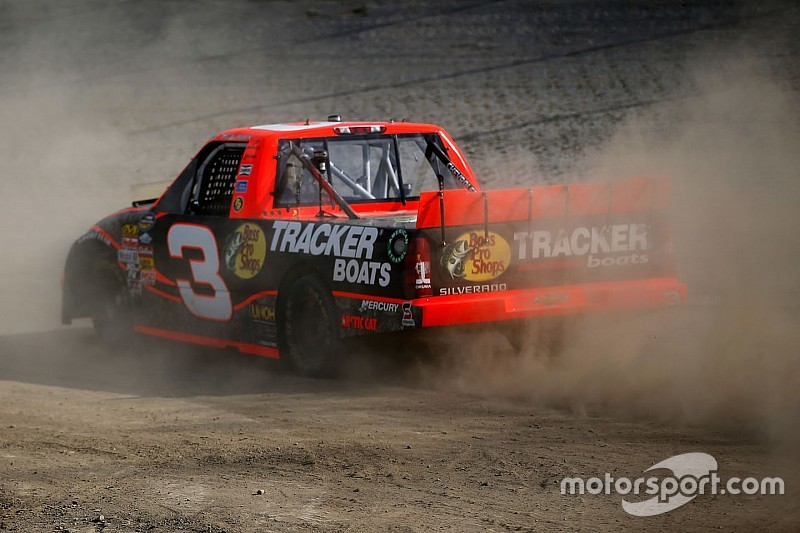 Charlotte motor speedway open to hosting truck race at for Dirt track at charlotte motor speedway