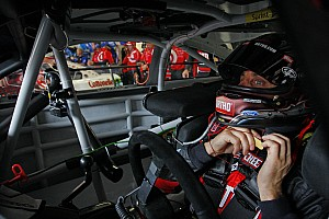 Biffle's crew chief leaves Dover for birth of his first child