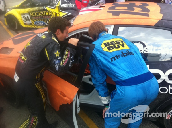 Checking out Pastrana's hand controls