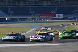 ADAC GT Masters Race 1 - Farnbacher / Kentenich passing Alessi / Keilwitz in the hairpin