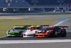 ADAC GT Masters Race 1 - 3-Wide racing