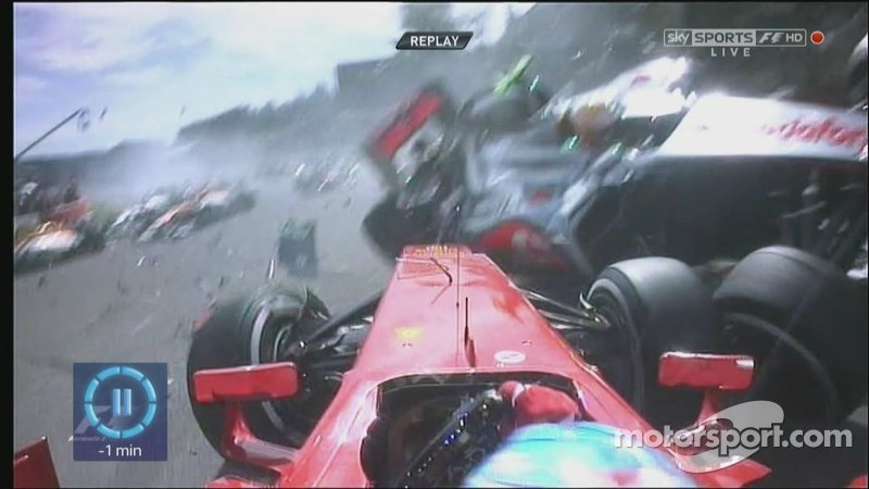 Spa Turn 1 Crash