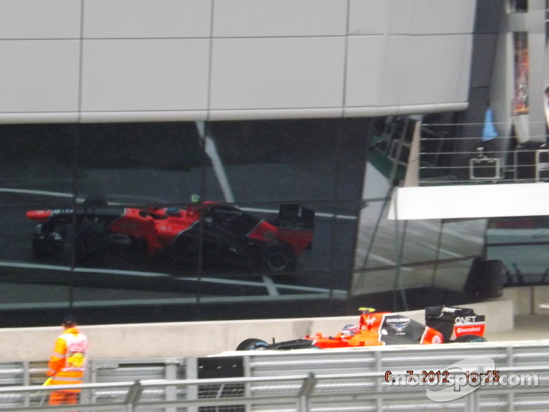 Marussia Reflection In Pits