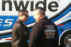 Allan Bestwick chats up JCR Crew Chief Rickie Pearson