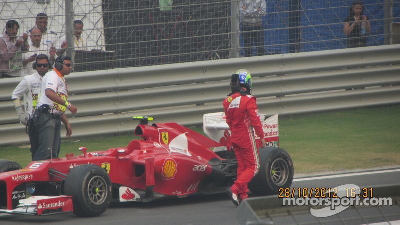 Massa runs out of fuel!
