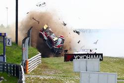Nicky Thiim crashes at the start