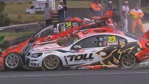 V8 Supercars 2013 - Phillip Island - Premat & Courtney Crash