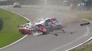 Three cars hit hard - Zandvoort 12 Hours