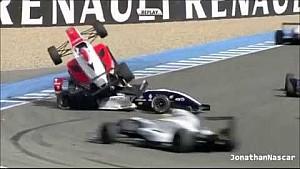 WSR car climbs over another during crash - Jerez